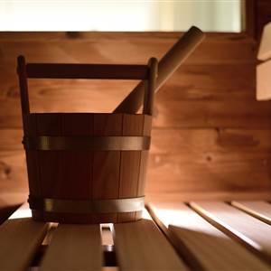 Aufgusseimer in einer Sauna